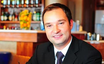 Claudio Abreu - Head of restaurants