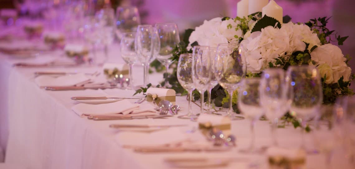 Set Wedding Table
